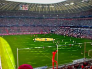 "Bayern var raskt tilbake på vinnersporet på mektige Allianz Arena. ""Allianz Arena Tilt-Shift""(CC BY-ND 2.0)byDanielKrieg.de"